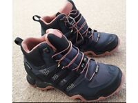 New ladies walking boots size 4