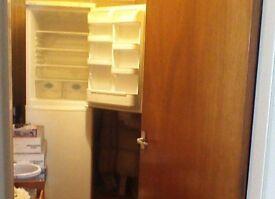 Fridge Freezer h188, w60, d58cms Self Defrost