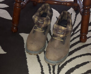 Timberland hard leather boots