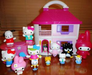 HELLO KITTY - Maison + 13 figurines + mini-cuisine