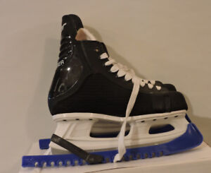 New Bauer Charger Skates Mens Size 9.5 with Blade Gaurds