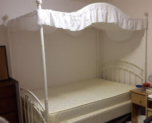 canopy bed frame (double)