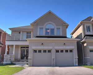 FOR SALE: GORGEOUS 4 YEAR NEW HOME IN RICHMOND HILL!
