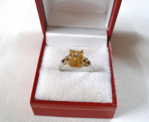 2.10 Ct. Citrine Solitaire & Garnet  18k White Gold Ring