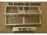 5 x Make up Cases