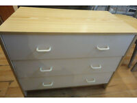 A NICE WHITE/WOOD EFFECT 3 DRAW CHEST