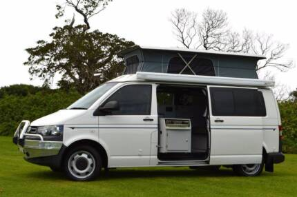 2011 4Motion VW Frontline Automatic Campervan w' Shower & Low Km!
