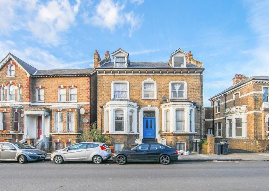 Victorian split level 2 bed available now! Brixton Road