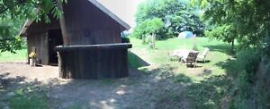 Camping 5 min to lake Erie, continental breakfast included