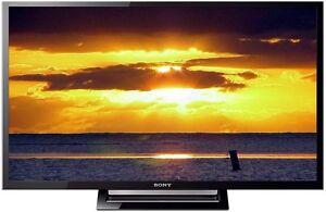 """LIKE NEW SONY 32"""" LED HDTV + HDMI"""