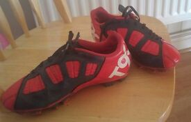 NIKE T90 FOOTBALL BOOTS SIZE 3