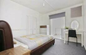 Ensuite Studio flat including all bills available immediately i