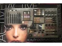 2 x Large Beauty Extravaganza Make Up Gift Set