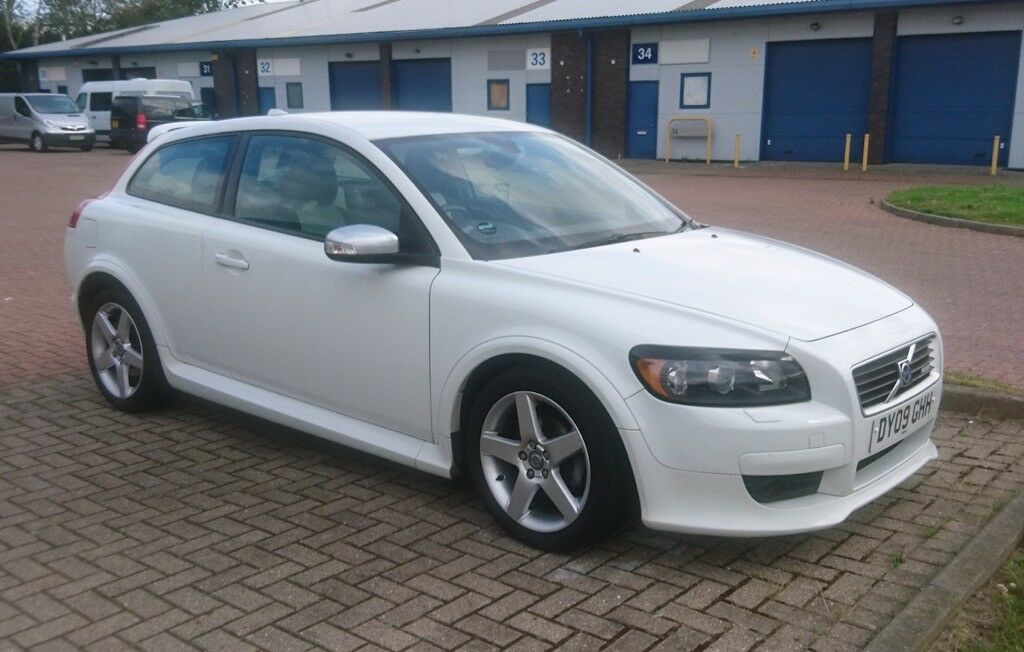 2009 volvo c30 sport r design 1 6 petrol low mileage fsh in newcastle tyne and wear. Black Bedroom Furniture Sets. Home Design Ideas