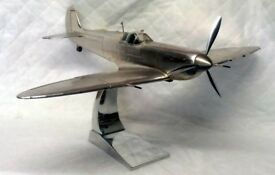 SUPERMARINE SPITFIRE FIGHTER AIRCRAFT.. LARGE DISPLAY MODEL ON ALUMINIUM STAND