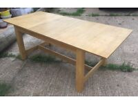 Quality extendable oak dining table