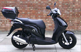 Honda PES 125, Superb condition with low mileage