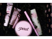 NEW POUT Makeup: Designer:Lipstick/Plump Exfoliator/Rouge/Eyeliner/Enhancer/Cosmetic Bag in Gift Box