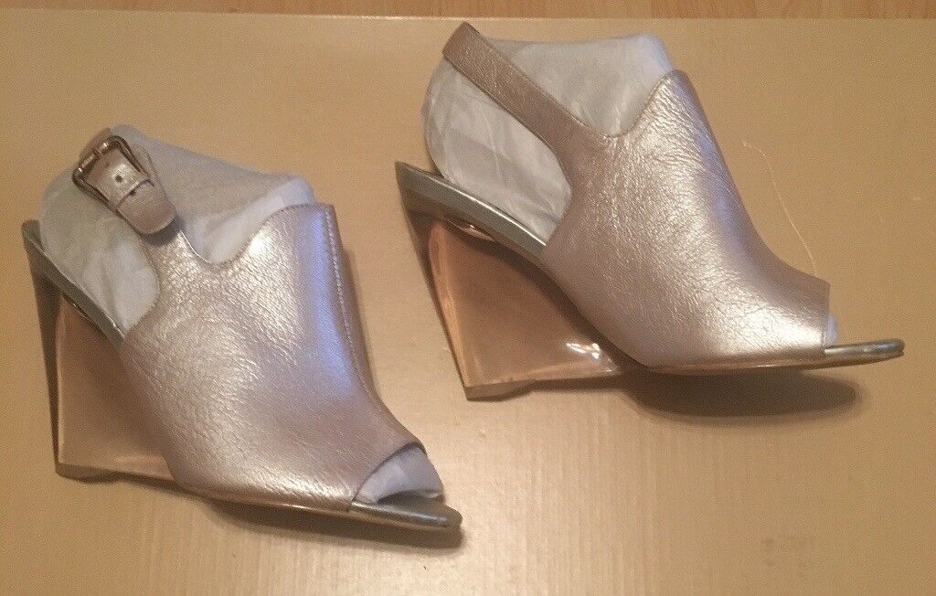 NINE WEST - Metallic Leather Ladies Slingback Shoes with Clear Wedge Heel (Size 5)