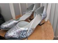 Silver sparkle shoes size 8.5 wide new