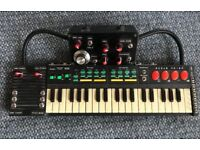 CIRCUIT BENT HING HON - GLITCH SYNTHESISER / KEYBOARD HEAVILY BENT WITH 29 MODS