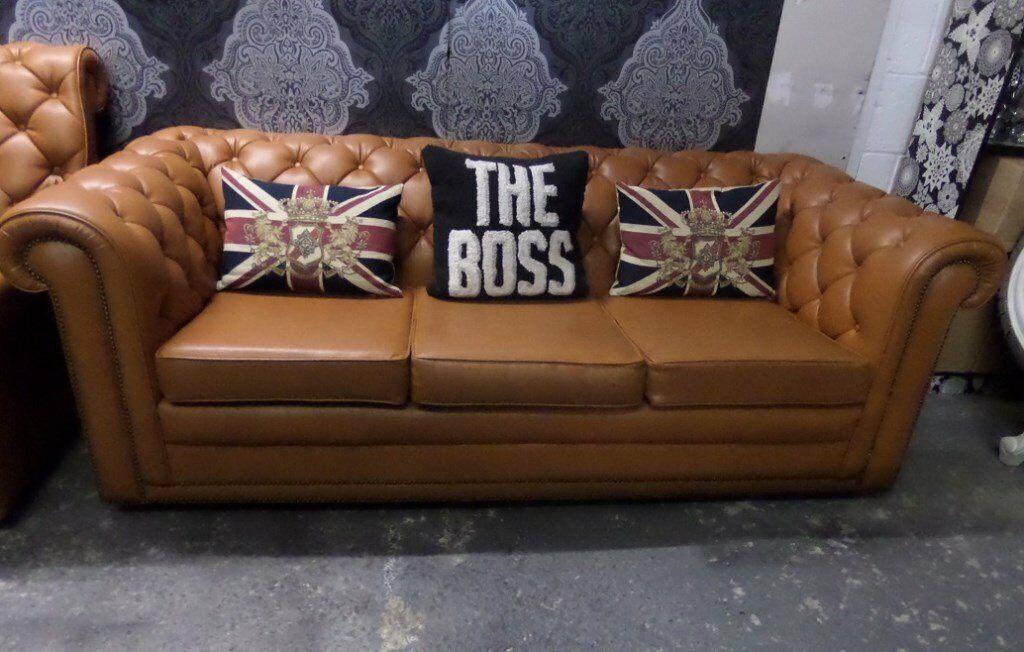 Stunning Vintage Vinyl Tan Chesterfield 70s 3 Seater Sofa Counch Settee    UK Delivery