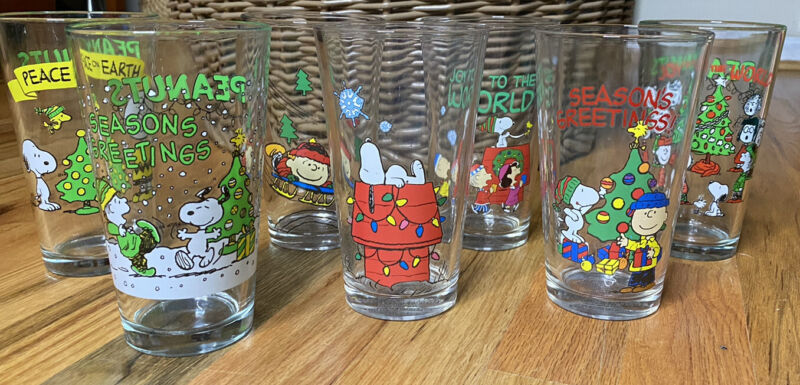 PEANUTS CHRISTMAS HOLIDAY PINT GLASSES Set of 7 SNOOPY CHARLIE BROWN LUCY