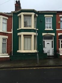 44 Sunbury Road, off Priory Road 4 bedroom house £600 per month