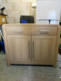 OAK EFFECT SIDEBOARD MODERN AND VERY GOOD CONDITION