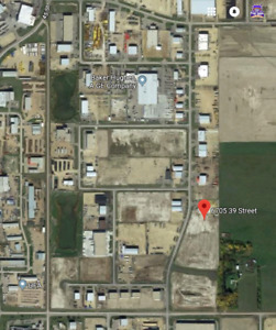 YARD FOR LEASE 1.25 ACRES AND TRUCK PARKING & DOCKING FACILITIES