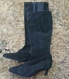 Ladies Calf-length boots