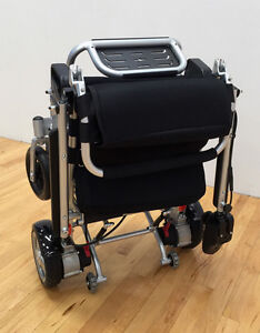 SAVE $1819!!   EASYFOLD  ELITE POWER  WHEELCHAIR ONLY 46lbs!! London Ontario image 6