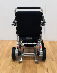SAVE $1819!!   EASYFOLD  ELITE POWER  WHEELCHAIR ONLY 46lbs!! London Ontario image 5