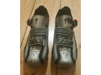 For sale is a pair of the mens Specialized Body Geometry cycling shoes.