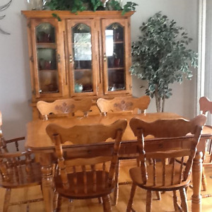 MAPLE DINING ROOM SET