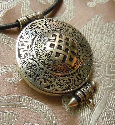 Ethnic Old Silver Wonderful Tibetan Sea Shell Pendant With Om Intagilo