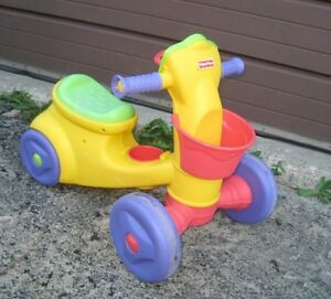 Slightly used Fisher Price Kids Scooter Ride-on in great conditi