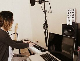 Piano/Keyboard Lessons (Beginner to Intermediate) FREE First Lesson + FREE Extras