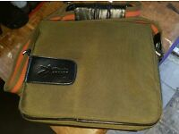 10 inch Notebook or tablet bag well padded good condition