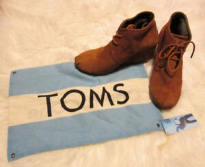 Toms Brown Suede Desert Ankle Boot Booties Wedge Lace Up Size 7