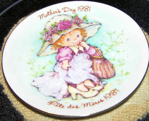 Avon's 1981 Mother's Day Plate Plate