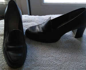 EUC - Brown High Heeled Shoe - Size 8 Regina Regina Area image 2
