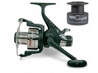 BRAND NEW 2 x Lineaeffe bait runner reels boxed with a spare spool