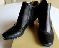 Brand New Naturalizer boots size 5.5