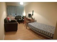 *Two Rooms to Share Close to King's Cross*