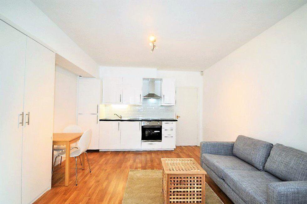 A modern and spacious Studio flat in Brook Green,Shepherd's bush Rd, W6