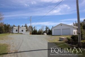 PRICE DROP - LARGE PRIVATE HOME, HARBOUR ACCESS, WITH GARAGE