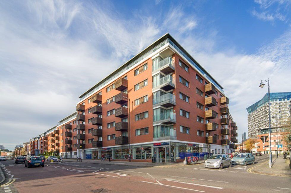 REGIONAL HOMES ARE PLEASED TO OFFER: 2 BED APARTMENT: SKYLINE APARTMENTS, CITY CENTRE,FURNISHED!