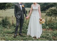 Strapless Designer Wedding Dress. RRP £800. Classic & Elegant Style.