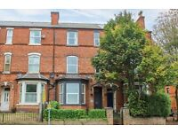 10 Bedroom 3 Bathroom town house. Arranged over 4 floors Fully Licensed HMO or AIRBNB FOR SALE